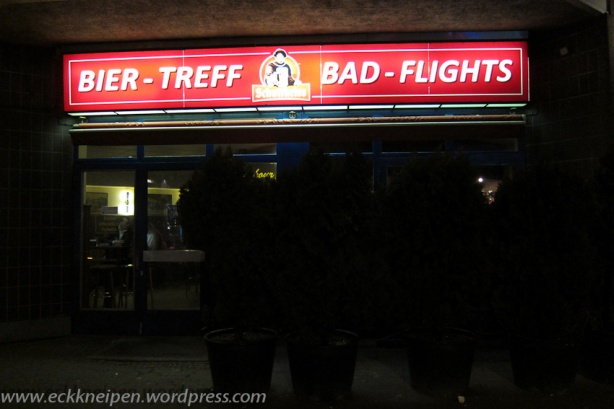 Ansicht Eckkneipe Bad-Flights